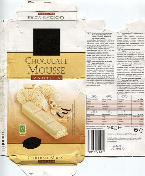 White chocolate with a vanilla flavoured mousse centre, 160g, 07.10.2014, Lidl Stiftung&Co.KG, Neckarsulm, Germany